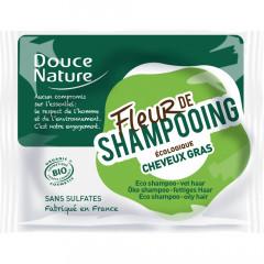 Douce Nature palashampoo helposti rasvoittuville hiuksille